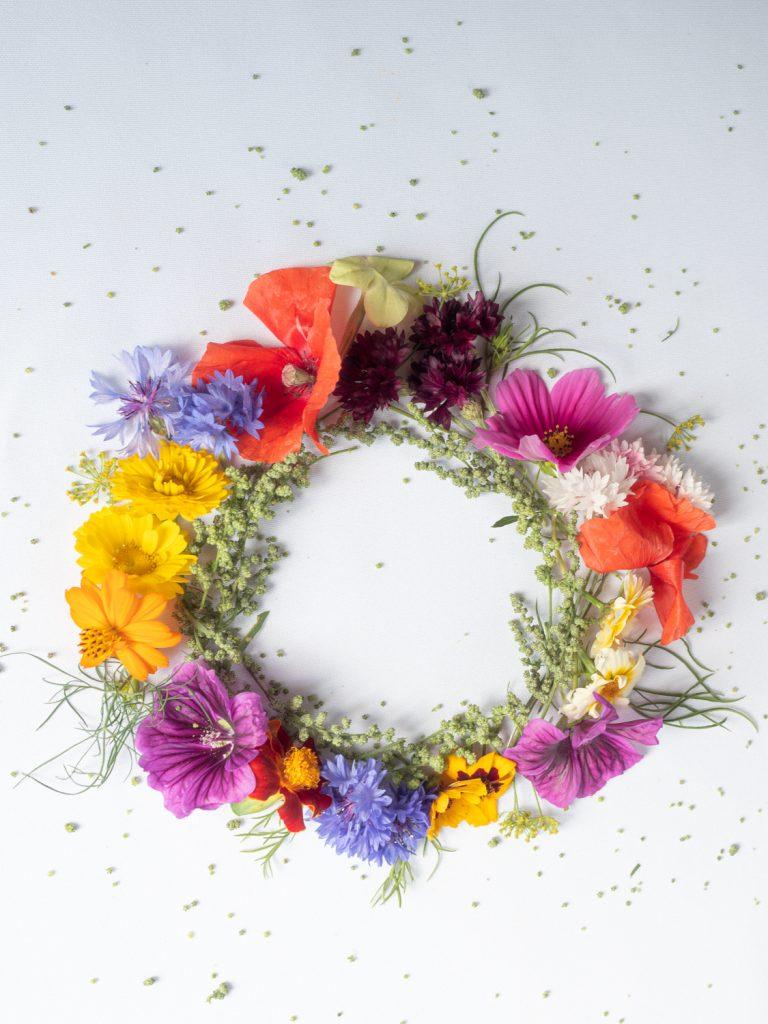 krans van Lente en zomerbloemen